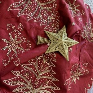 Christmas tree skirt and star tree topper